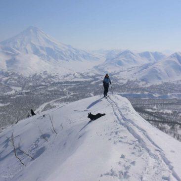 Voyage en ski de randonnée dans la péninsule du Kamtchatka en Russie