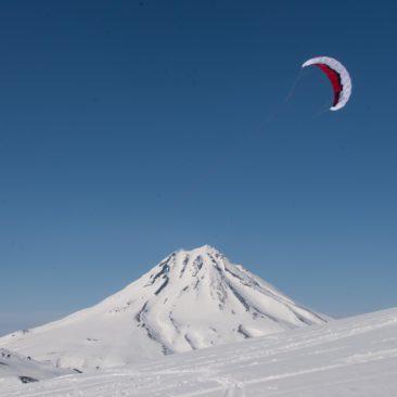 ski de randonnée et snow kite ascention de volcans actifs au Kamtchatka